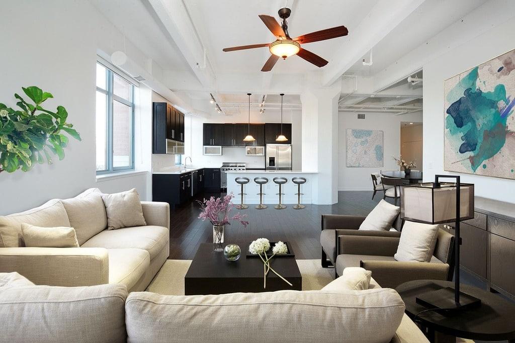 Comment placer les meubles dans un salon rectangulaire ?